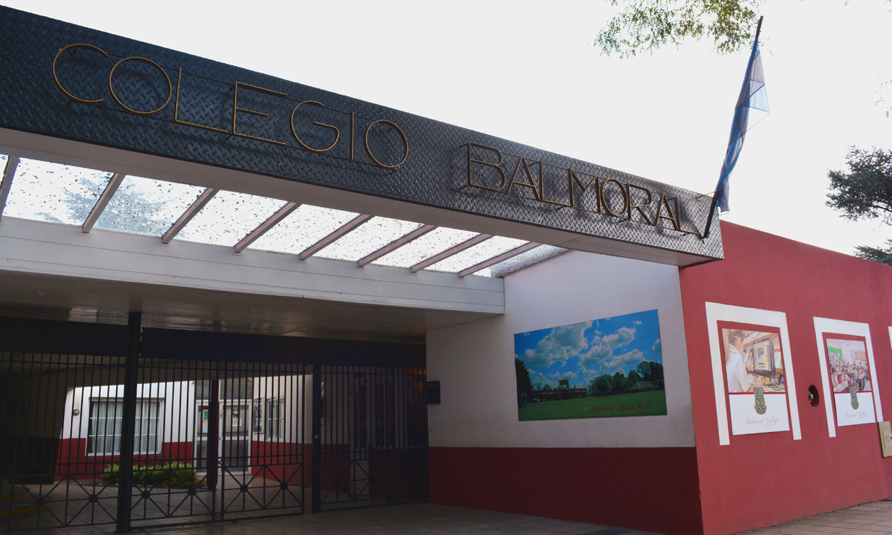 Balmoral College